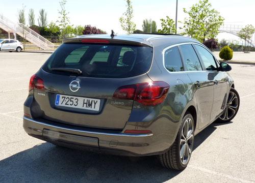 Opel Astra Sports Tourer (trasera)