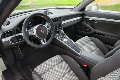 Porsche 911 50 aniversario (interior)