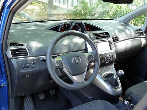 Toyota Verso (interior)