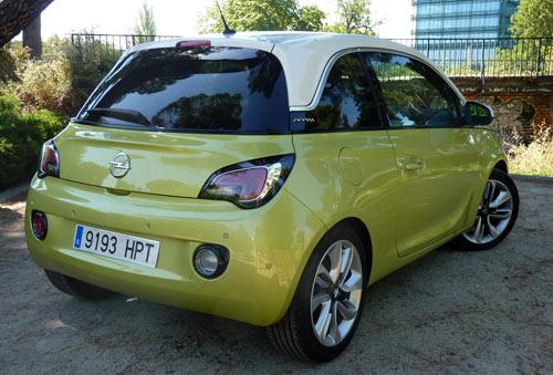 Opel Adam (trasera)