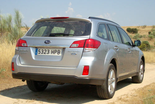 Subaru Outback (trasera)