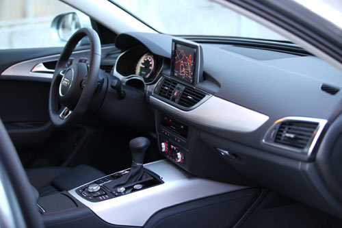 Audi A6 Hybrid (interior1)