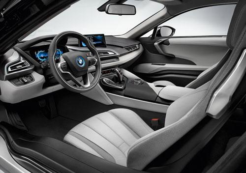 BMW i8 (interior)