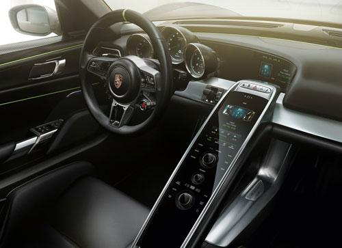Porsche 918 Spyder (interior)