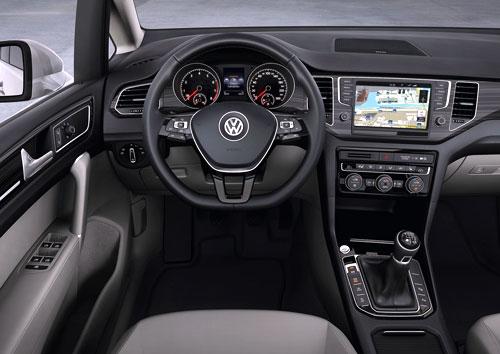 VW Golf Sportsvan (interior)