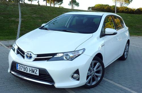 Toyota Auris Hybrid (frontal)