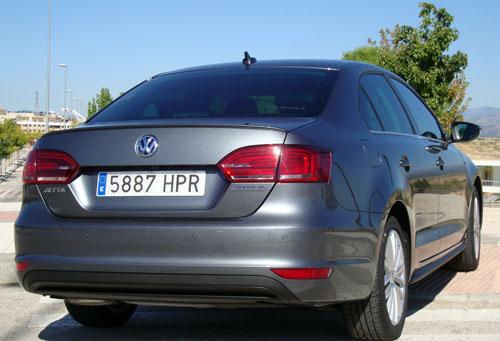 VW Jetta Hybrid (trasera)