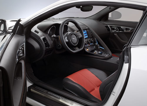 Jaguar F-Type Coupé (interior)