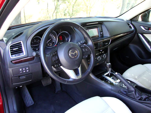 Mazda 6 Wagon (interior)