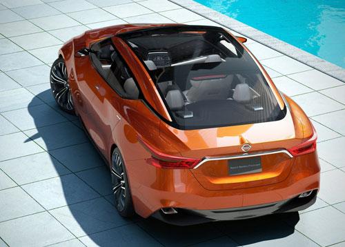 Nissan Sport Sedan Concept (trasera)