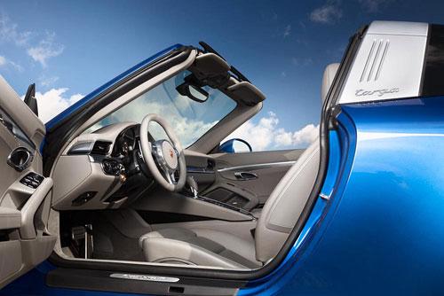 Porsche 911 Targa (interior)