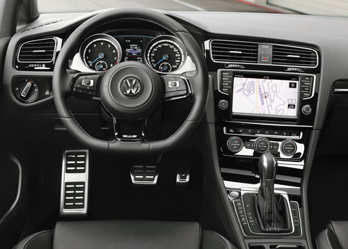 Volkswagen Golf R (interior)