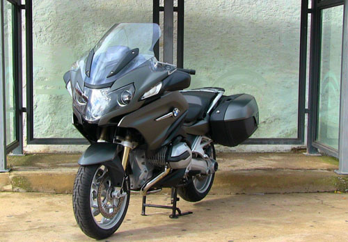BMW R 1200 RT (estática frontal)