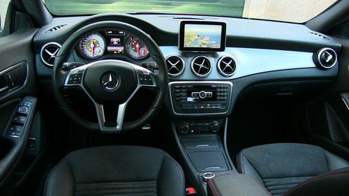 Mercedes-Benz CLA 220 CDI 7G-DCT Pack AMG (interior)