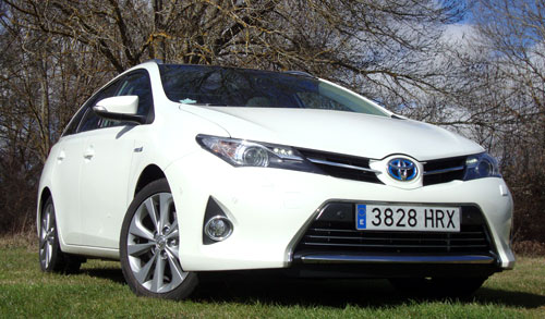 Toyota Auris TS (frontal)
