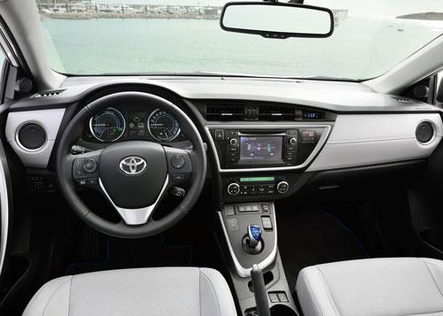Toyota Auris TS (interior)