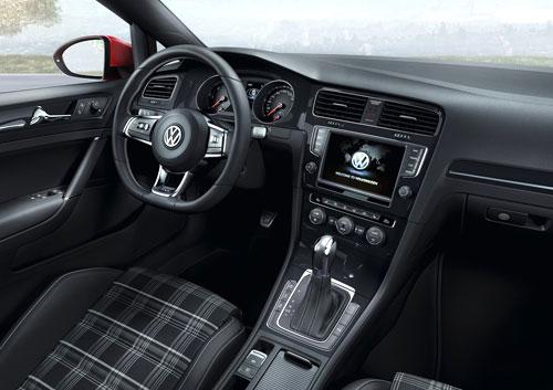 VW Golf GTD (interior)
