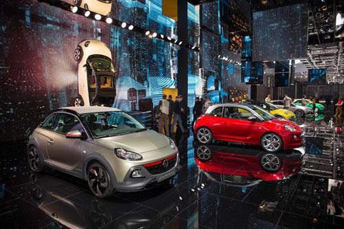 Stand de Opel en Ginebra