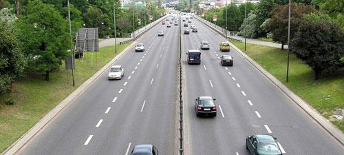 Adelantar en autopistas