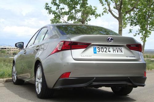 Lexus IS (trasera)