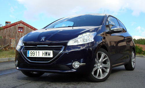 Peugeot 208 (frontal)