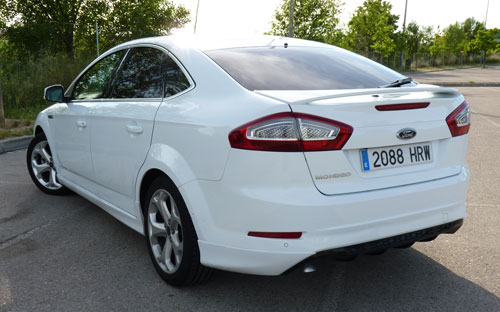 Ford Mondeo (trasera)