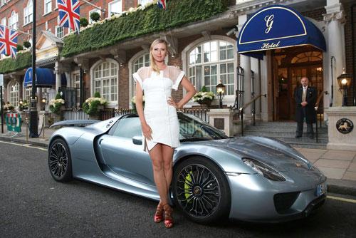Maria Sharapova - Porsche 918 Spyder