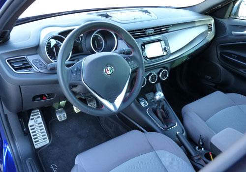 Alfa Giulietta (interior)