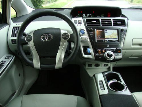 Toyota Prius+ (interior)