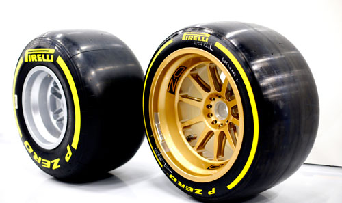 2-Pirelli_Silverstone_1