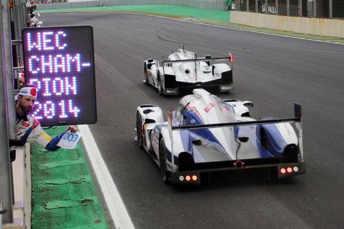 1-toyota_racing_-_campeones_1