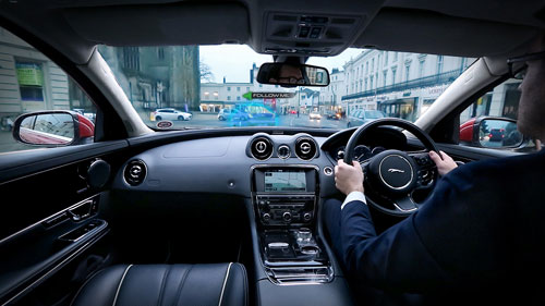 2-Jaguar-Land-Rover-Follow-Me-Ghost-Car-Navigation_2