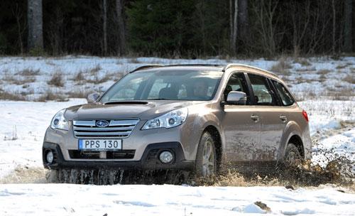 2-Subaru-Outback-2014-en-la-nieve