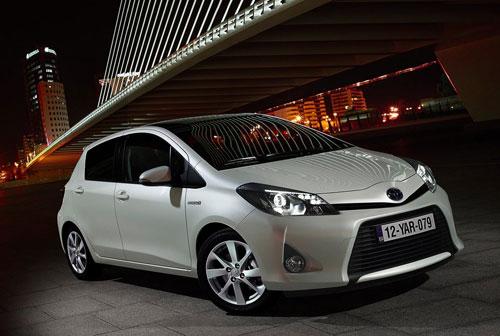 Toyota-Yaris_Hybrid
