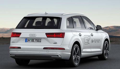 2-Audi-Q7-e-tron-trasera