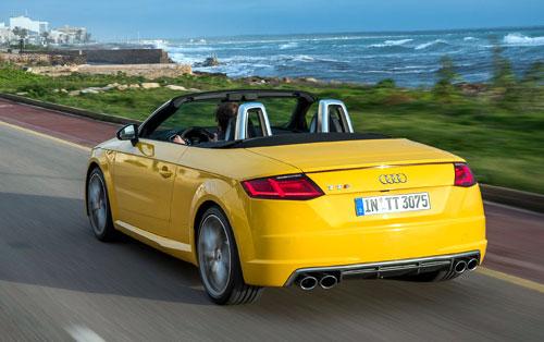 2-Audi-TTS-Roadster-trasera