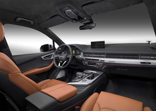 3-Audi-Q7-e-tron-interior
