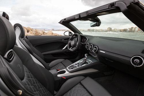 4-Audi-TTS-Roadster-interior