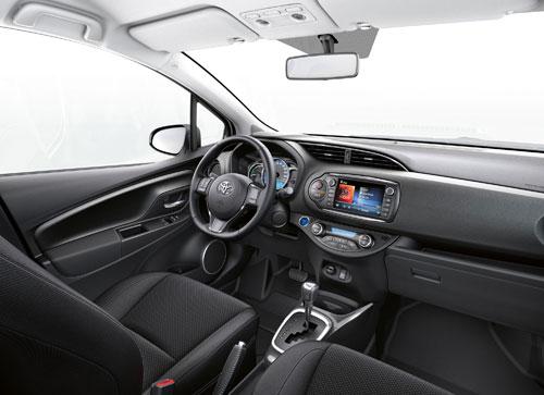 3-Toyota-Yaris-Hybrid