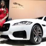 Las-chicas-del-Salon-Jaguar