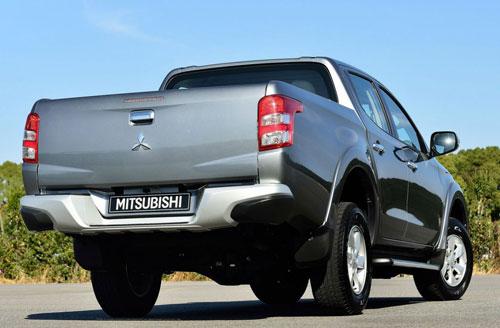 2-Mitsubishi-L200-3