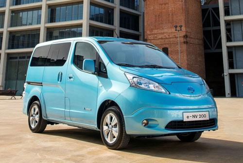 2-Nissan-e-NV200