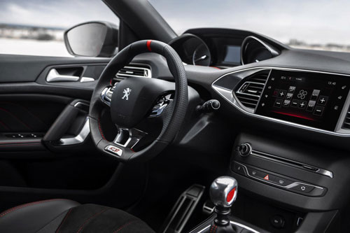 2-Peugeot-308-GTi-2