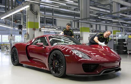 2-Porsche-918-Spyder-2