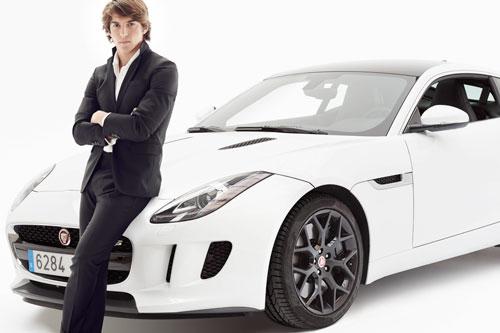 Roberto-Merhi,-pone-a-prueba-el-Jaguar-F-TYPE