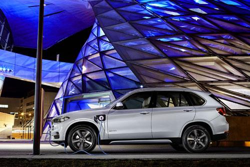 1-BMW-X5-xDrive40e