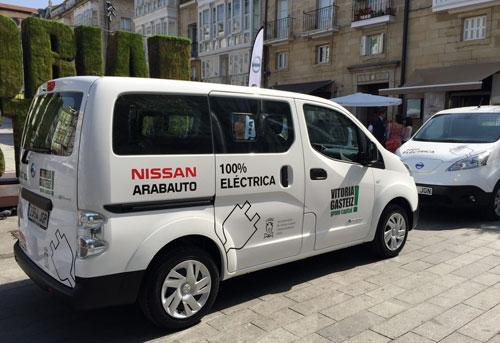1-Nissan-e-NV200-1