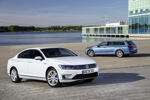 1-Volkswagen-Passat-GTE-1
