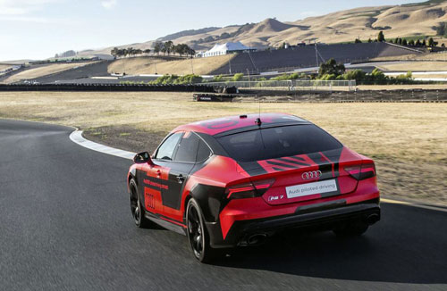 2-Audi-RS7-piloted-driving-concept-2