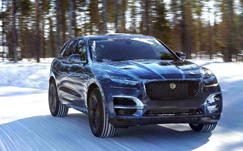 4-Jaguar-F-Pace-4
